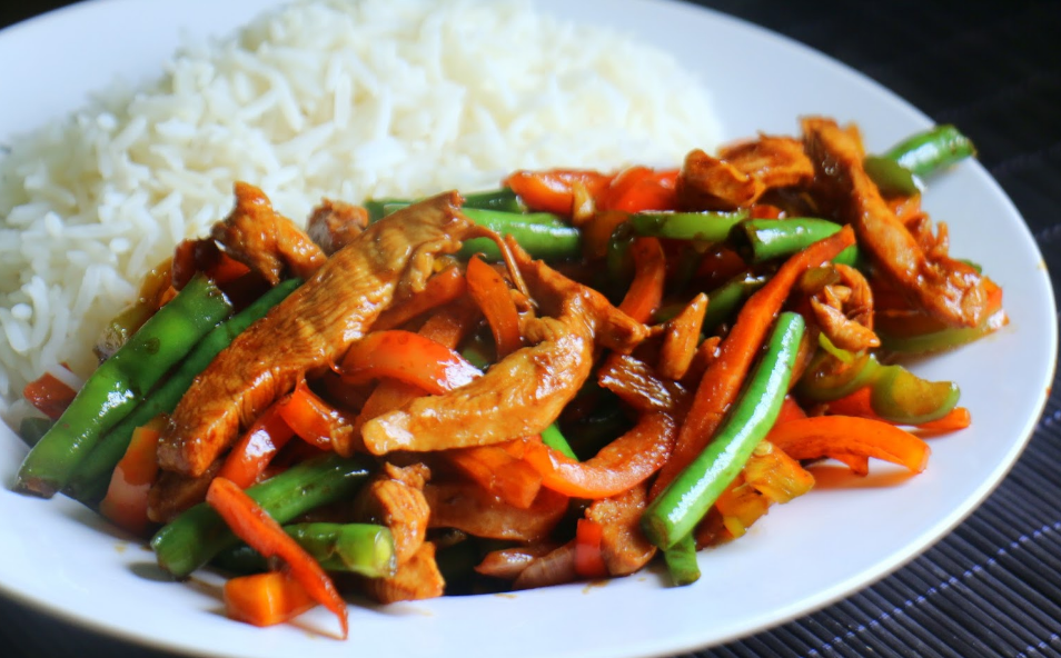 Easy Chicken and Vegetable Stir fry in Tomato Sauce Recipe