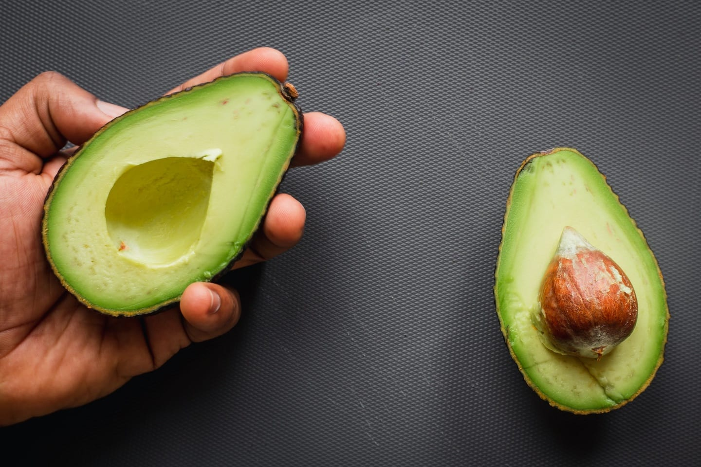 How to Keep Your Natural Hair Healthy (Avocado Recipe)